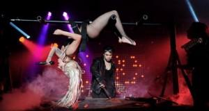 [Vidéo] Lady Gaga se fait vomir dessus sur scène