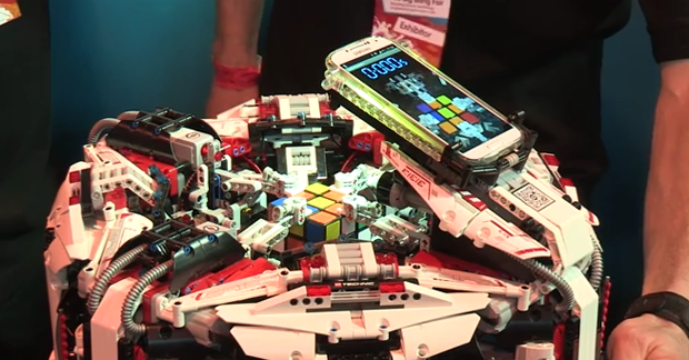 Record : un robot résout un Rubik's Cube en 3,253 secondes