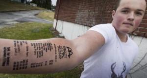 Il s'est fait tatouer une facture McDonald's sur le bras