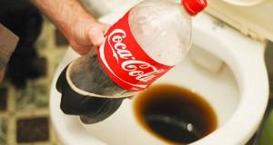 Coca-Cola nettoie les toilettes