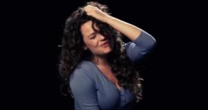 [Vidéo] Elles tentent de chanter durant un orgasme