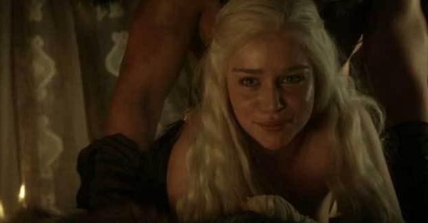 [Vidéo] Les scènes de sexe de Game of Thrones interrompues par un smartphone