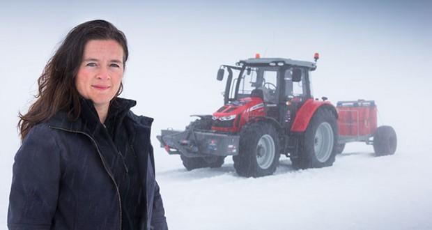 Une aventurière néerlandaise atteint le Pôle Sud en tracteur