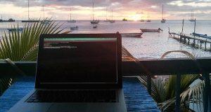 télétravail en face de la mer